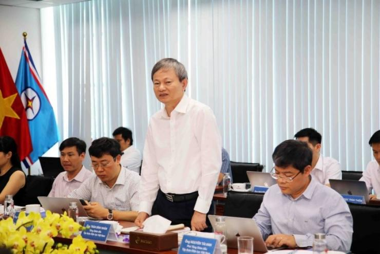EVN's President and CEO Tran Dinh Nhan and his high-level delegation visit PECC2